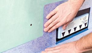 Etap XVI - Izolujemy styk podłogi i ściany