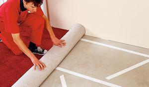 KROK IV - Klejenie wykładziny dywanowej